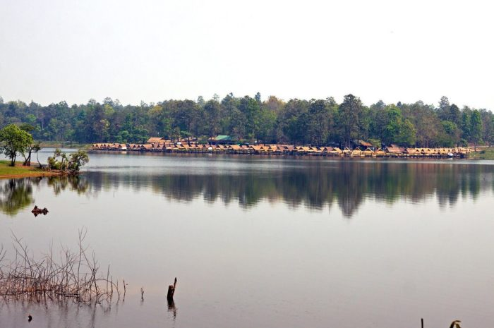 Relax at Huay Tung Tao Lake
